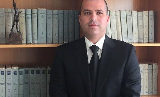 עורך-דין-עמית-וולף